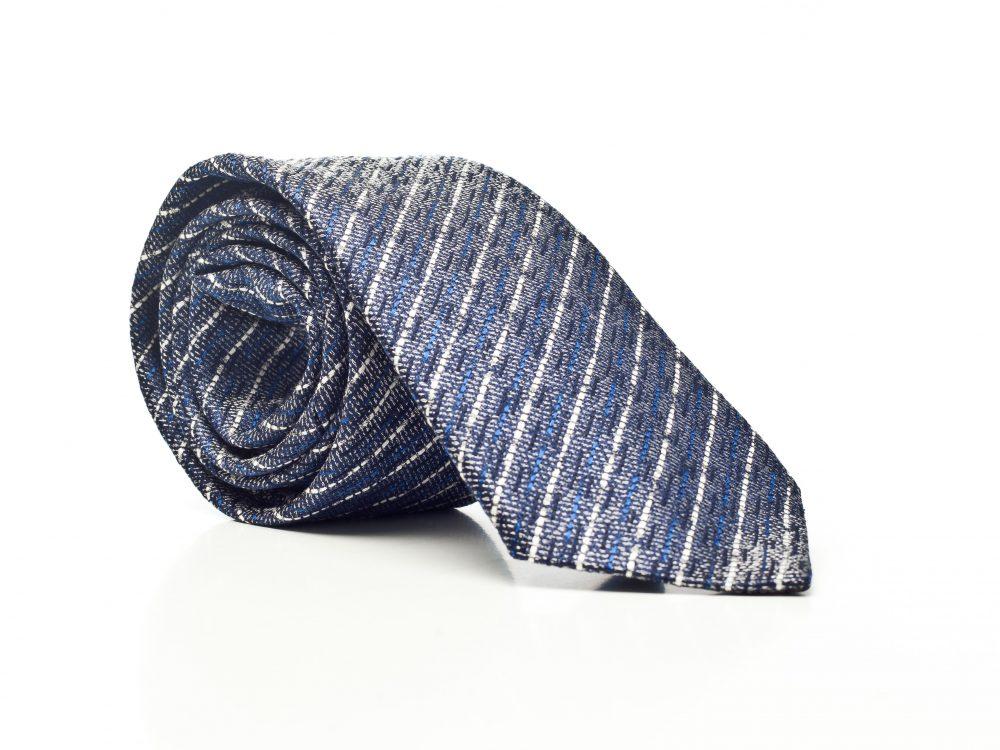 Krawat niebieski w fakturowany wzór