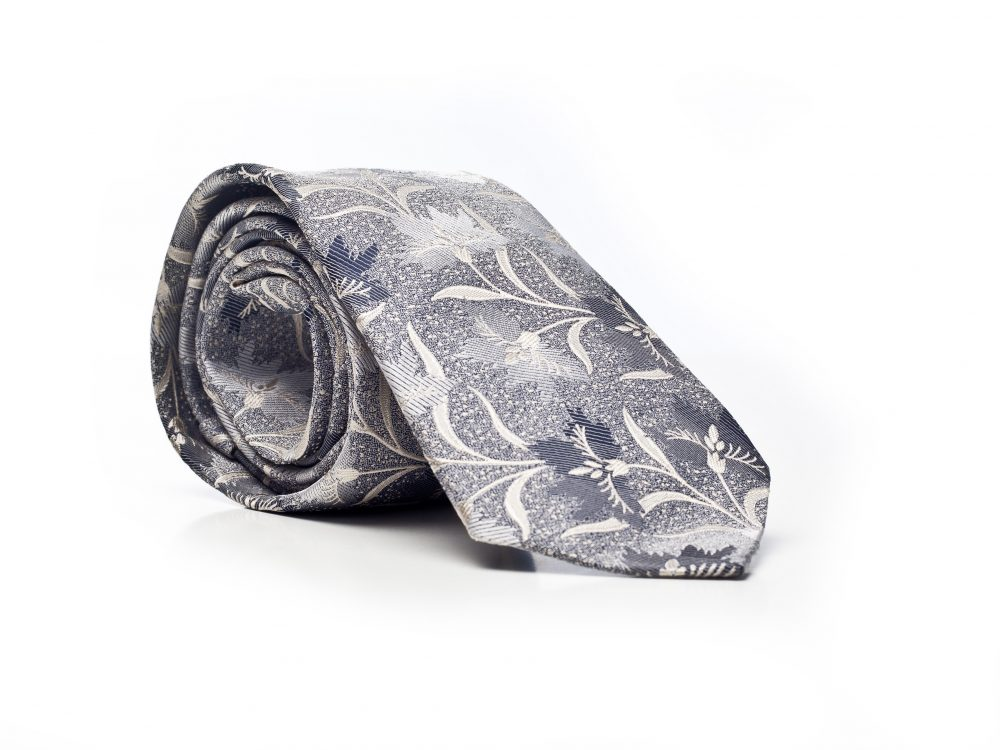 Krawat srebrny w kwiaty
